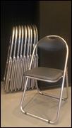 馬車道 ダンススタジオのパイプ椅子