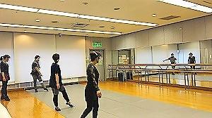 クラシックバレエ教室 摩美バレエスクール摩美バレエスクール レッスン風景