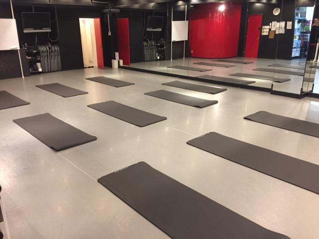 関内 馬車道 ダンススタジオ の 無料 備品 の ヨガマット