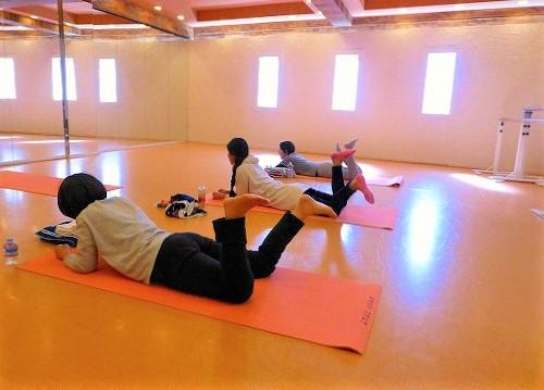 横浜 レンタルスタジオ 腰痛改善 背骨コンディショニング